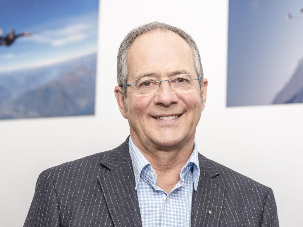 Unternehmensnachfolge Rolf Düggelin PortraitKontaktaufnahme Möglichkeit